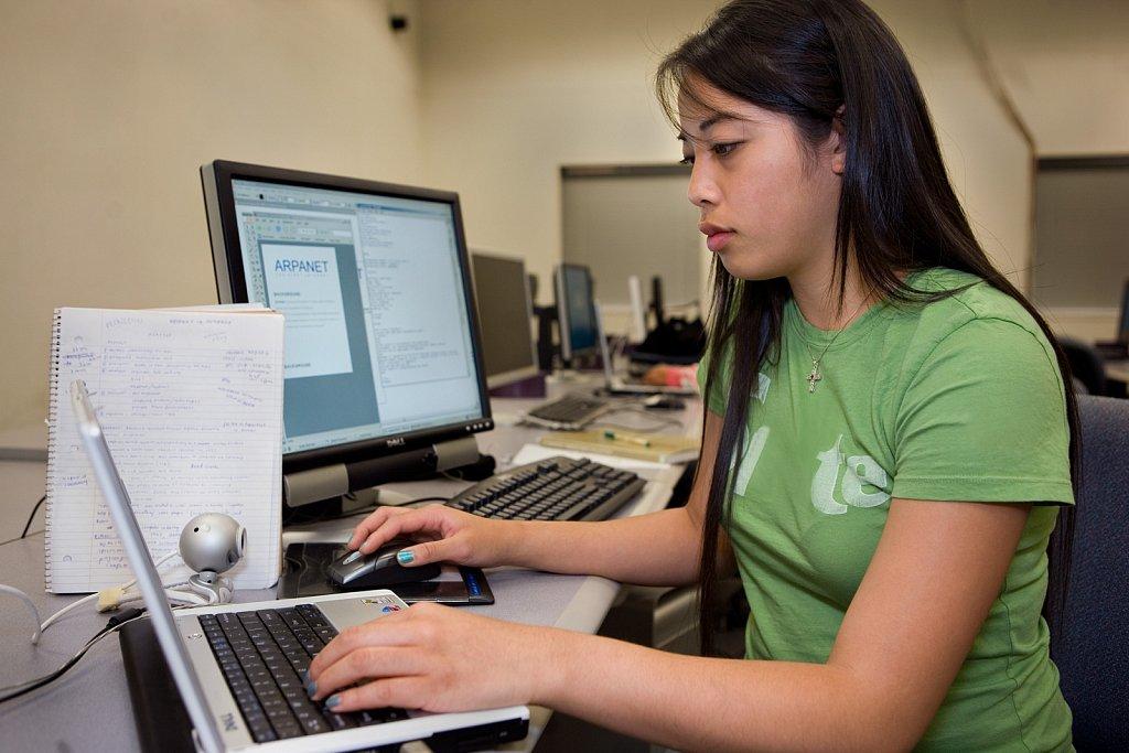 Art student at computer lab