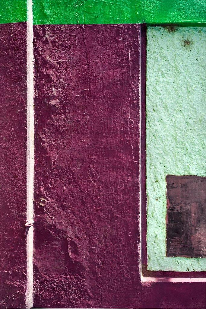 Green and purple wall in San Jose del Cabo, Mexico